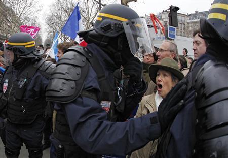 RASSEMBLEMENT ANTI-MARIAGE GAY À PARIS