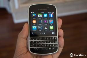 blackberry-q10-in-hand-case