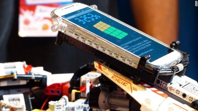 Robot En Lego Bat Le Record De Rubik S Cube