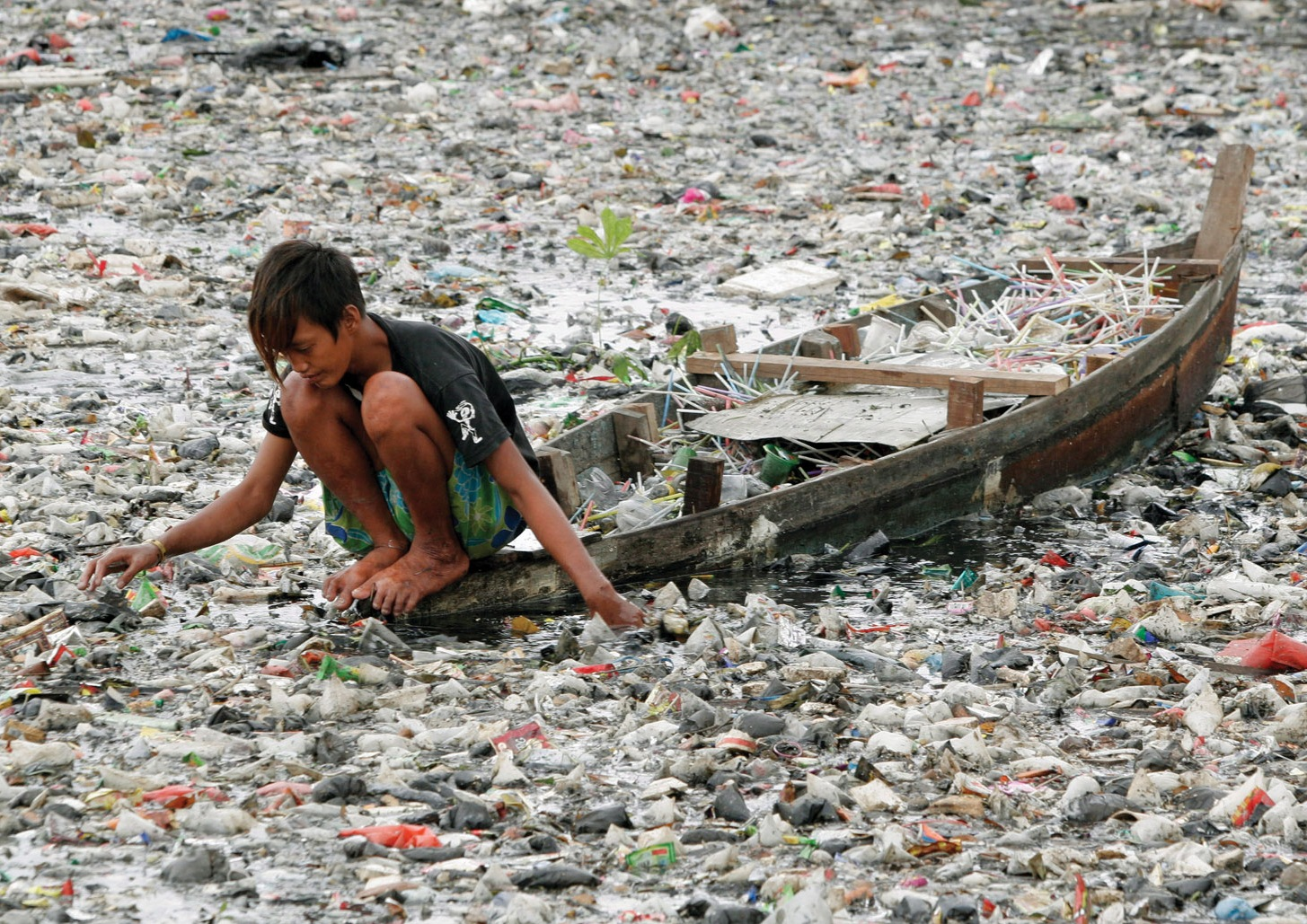 marine_debris_garbage_patch_boy