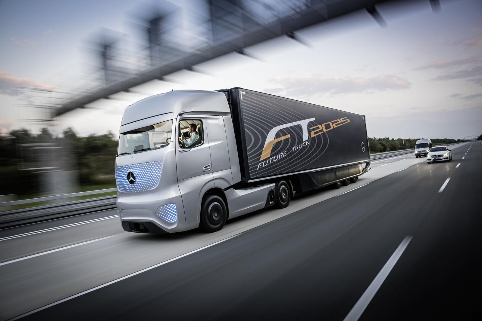 mercedes fabrique le camion du futur. Black Bedroom Furniture Sets. Home Design Ideas