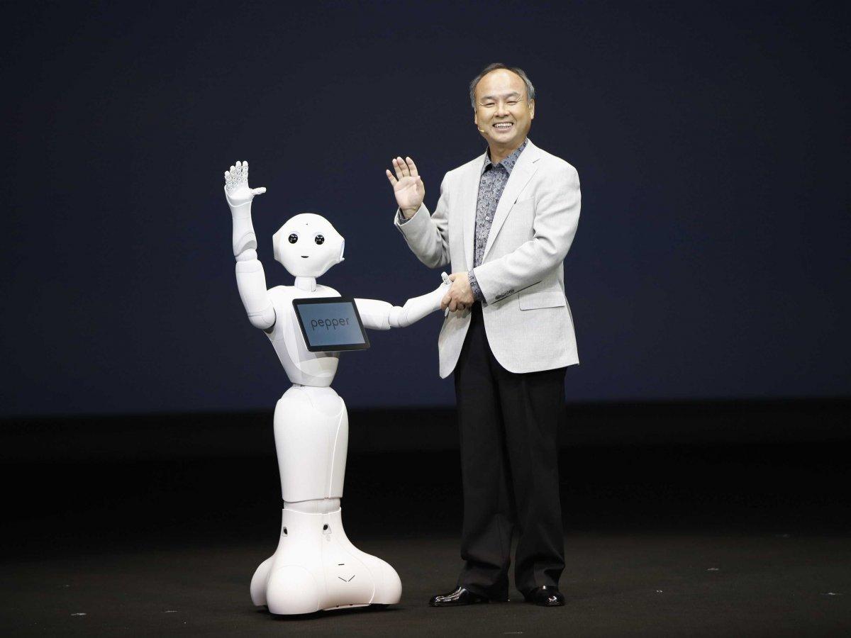 pepper le robot capable de g n rer des motions sera en vente partir du 20 juin. Black Bedroom Furniture Sets. Home Design Ideas