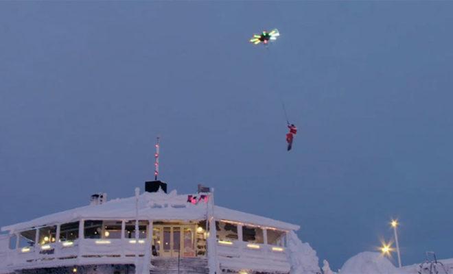 Quand le Père Noël remplace son traîneau pour s'envoler avec un drone