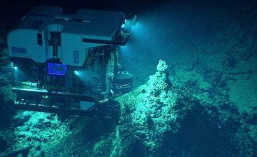 fosse-des-mariannes-source-hydrothermal-nooa