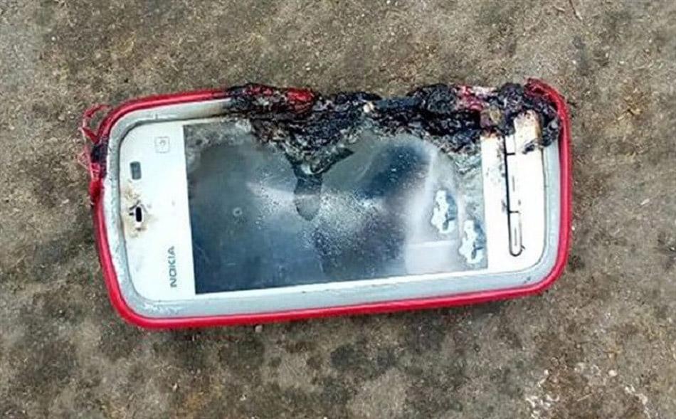 Nokia-5233-explosion