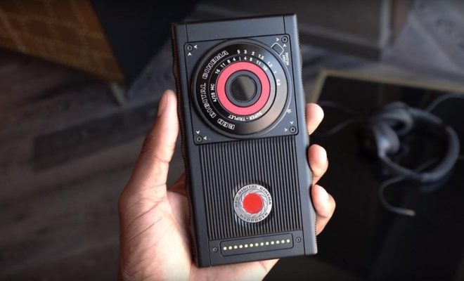 La date de sortie du smartphone est reportée — RED Hydrogen One