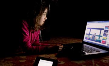 YouTube ne compte pas stopper la recommandation de vidéos avec des enfants, malgré des problèmes de pédophilie