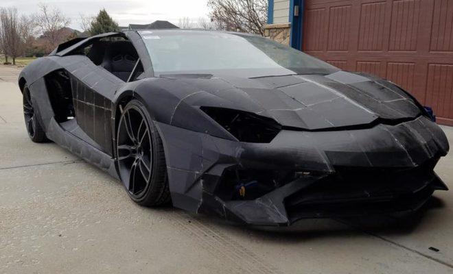 Il construit une Lamborghini avec son fils grâce à une imprimante 3D