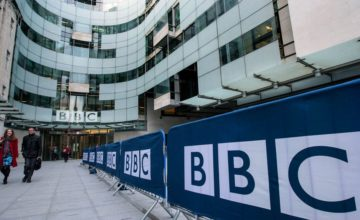 "La BBC développe son propre assistant vocal appelé ""Beeb"""