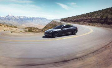 Tesla va rendre accessible Netflix et YouTube à bord de ses voitures