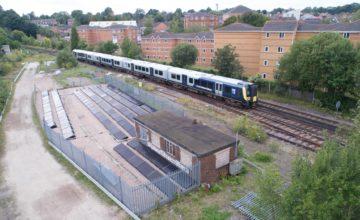 La première ligne ferroviaire au monde à énergie solaire est opérationnelle au Royaume-Uni