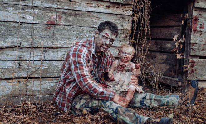 Une mère maquille son bébé en zombie pour un shooting photo effrayant !