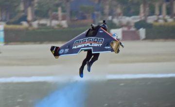 Un pilote de Jetpack atteint 1800m d'altitude et bat un record