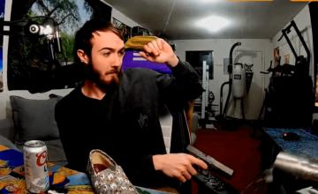 Twitch : un streamer banni pour avoir tiré avec une arme à feu en plein live
