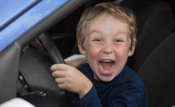 Des parents autorisent un enfant de 11 ans à conduire une voiture parce qu'ils en avaient assez qu'il joue à GTA