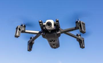Les autorités espagnoles utilisent des drones pour avertir les personnes qui ne respectent pas la quarantaine