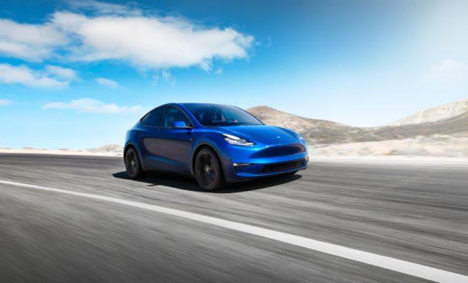 Tesla commence les livraisons de sa Model Y