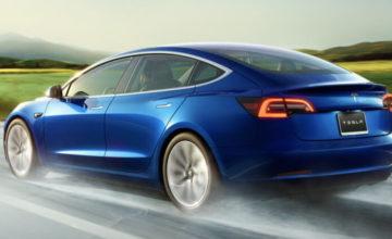 Tesla peut maintenant voir et ralentir pour les feux de circulation