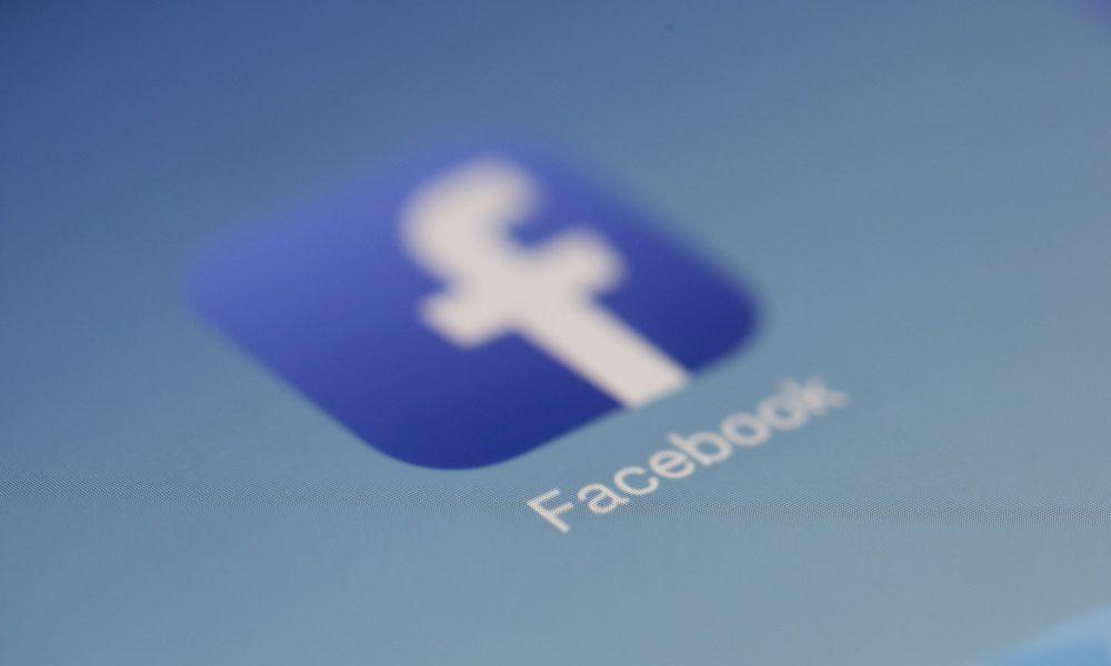 Comment supprimer un groupe Facebook sur un ordinateur ou un mobile