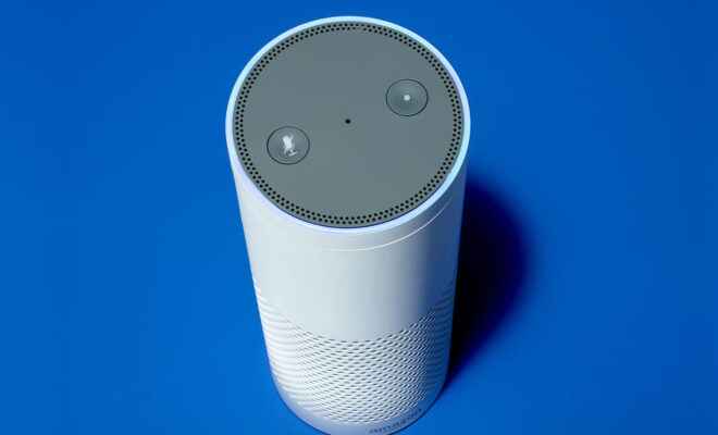 Amazon facilite l'accès à son assistant virtuel Alexa sans avoir à toucher à son téléphone