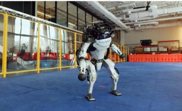 Les robots de Boston Dynamics exécutent une danse de fin d'année