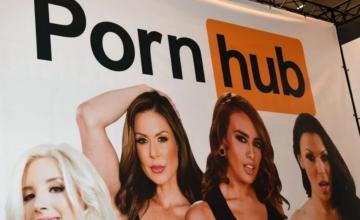 Pornhub arrête les uploads non vérifiés et interdit les téléchargements
