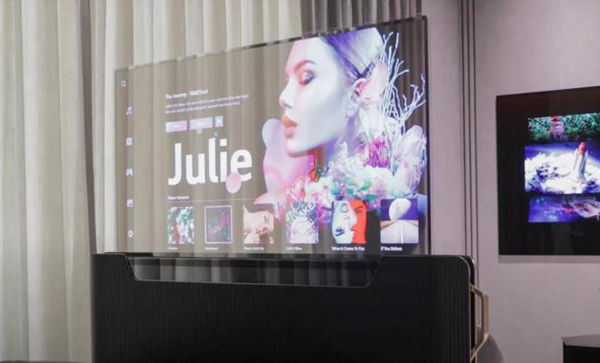 CES 2021 : LG présente une TV OLED transparente de 55 pouces à mettre au pied du lit