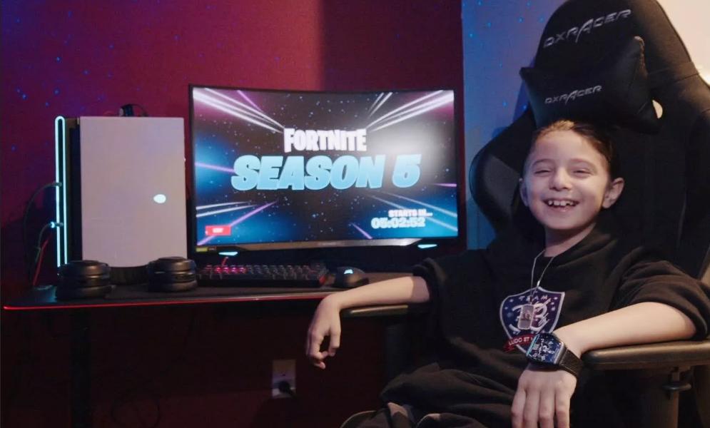 Fortnite : un joueur âgé de huit ans a reçu 33000 $ et un PC de 5000 $ pour devenir pro