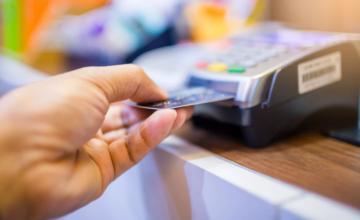 Samsung et Mastercard s'associent pour créer une carte bancaire avec un lecteur d'empreintes digitales intégré