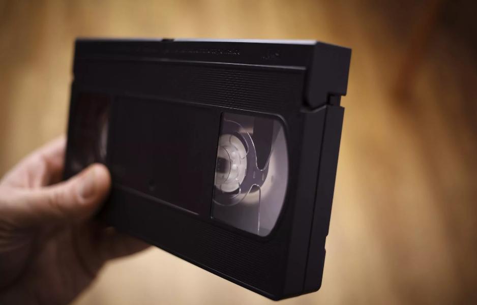 Une Américaine est recherchée pour ne pas avoir rendu une cassette VHS louée en 1999