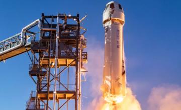 William Shatner est devenu la personne la plus âgée à atteindre l'espace
